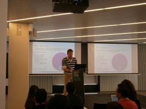 Ponencia de Thomas Bartczack sobre las métricas en Social Media durante el Smash Tech, celebrado en el Mobile World Center