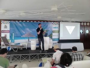 Ricardo Tayar en SE-onthebeach. Hablando de cómo ejecutar un proyecto de ecommerce y cómo mejorar su conversión. La última ponencia de la primera jornada en SE-onthebeach